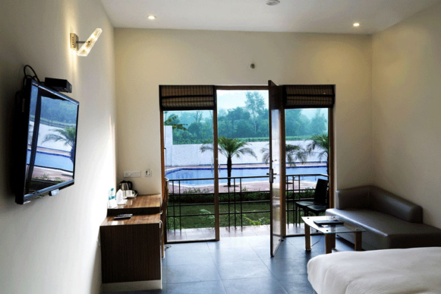 Poolview suite - Corbett Panorama Resort