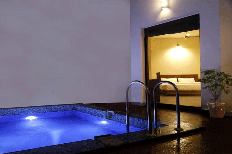 Splash Pool - Corbett Panorama Resort