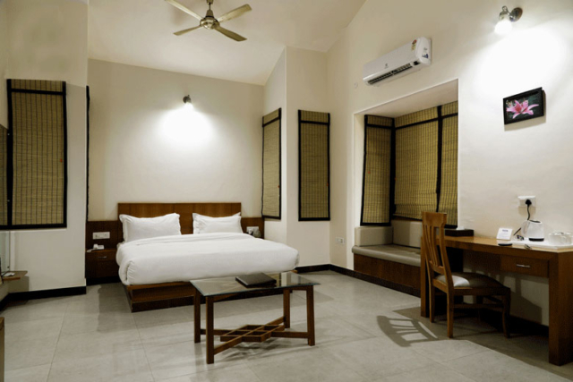 Whirlpool Suite - Corbett Panorama Resort